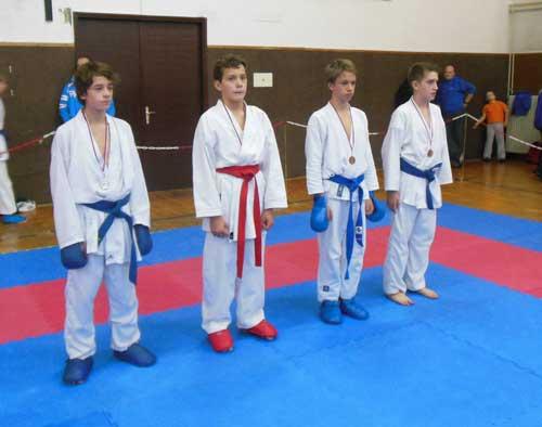Osvojenih šest medalj na 1. kolu šolske karate lige