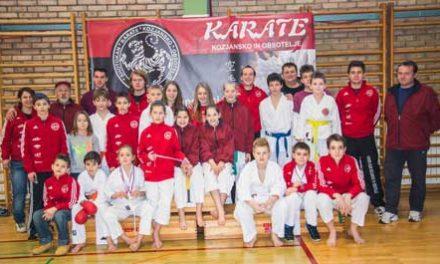 Karateisti na domačem parketu v Podčetrtku osvojili 3 zlate, 8 srebrnih in 8 bronastih medalj.