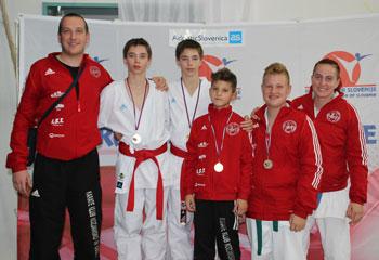 Osvojili kar 6.medalj- Bor Hartl in Luka Bele pokalna zmagovalca Slovenije v karateju.