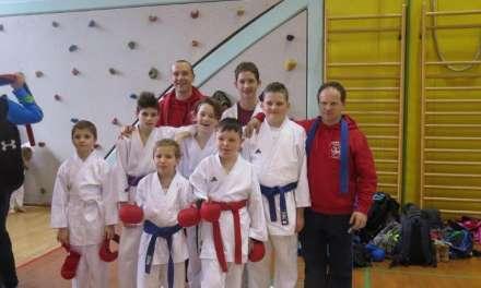 Mlajši tekmovalci karate kluba Kozjansko in Obsotelja opravili nastop na tekmovanju z odliko.