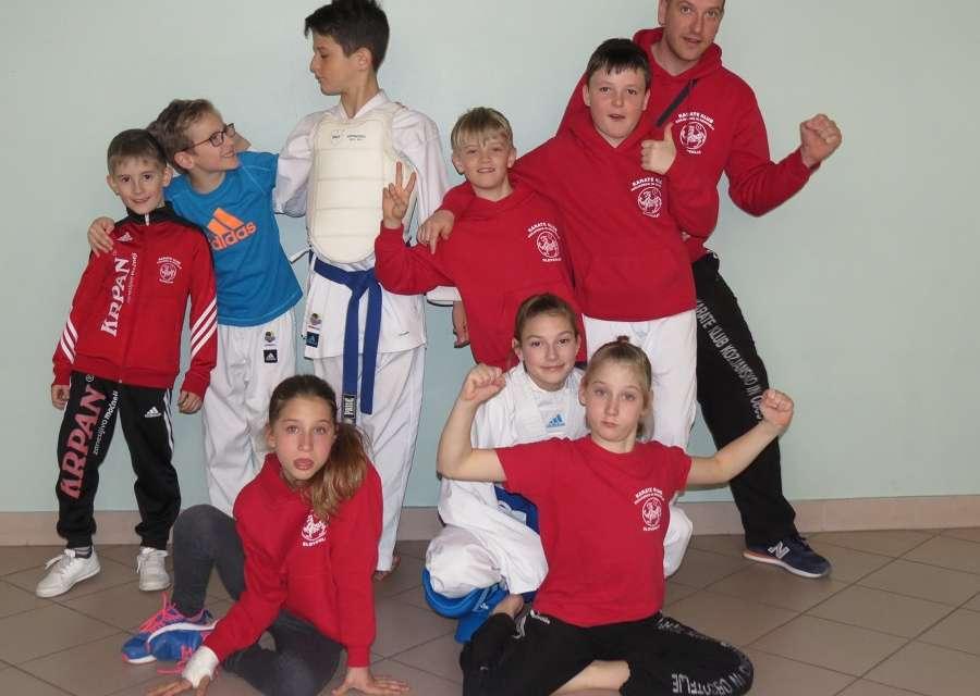 Karateisti Kozjanskega in Obsotelja so se iz Laškega vrnili vsi z medaljo