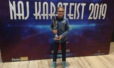 """LEON SODIN prejel pokal na podelitvi """"Naj karateist"""" za leto 2019"""